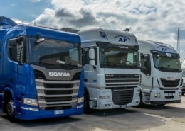parco mezzi camion af trasporti bergamo